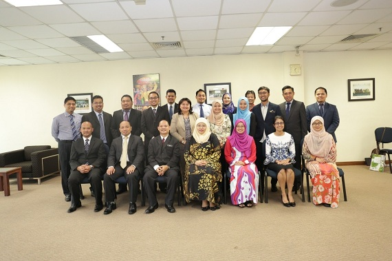 Leadership Course For Mid-Level Diplomats and Attaches